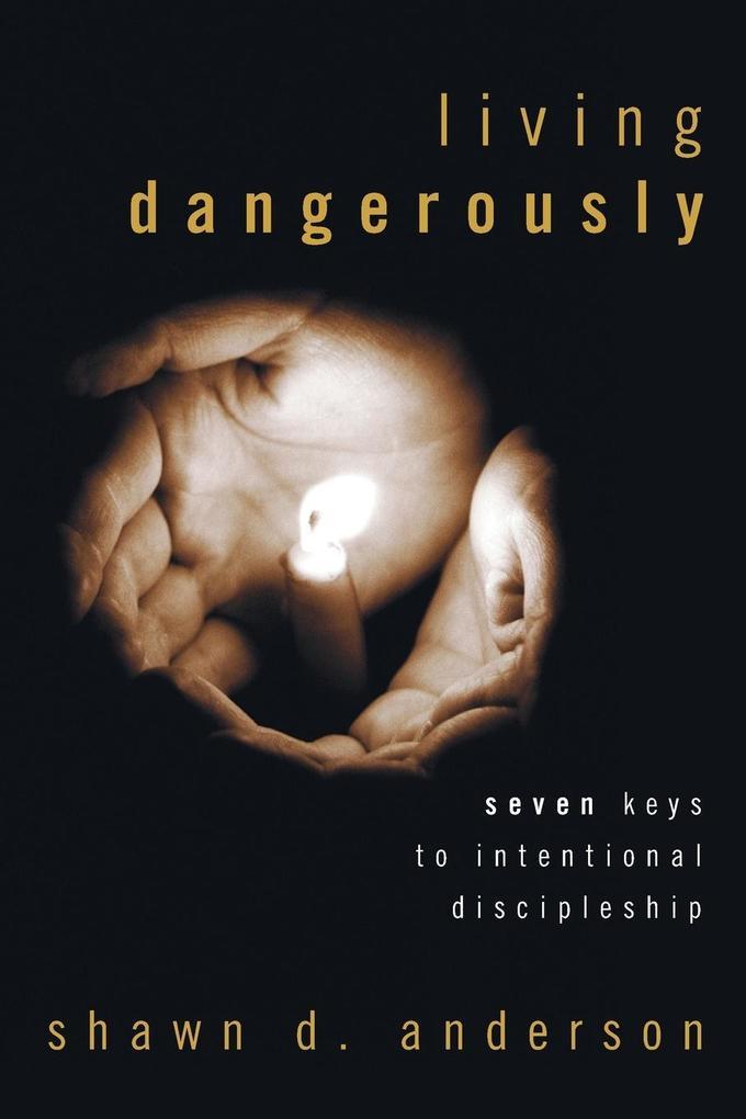Living Dangerously als Taschenbuch