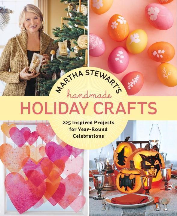 Martha Stewarts Handmade Holiday Crafts.pdf