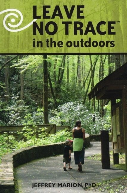 Leave No Trace in the Outdoors als Taschenbuch