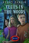 Clues in the Woods als Taschenbuch