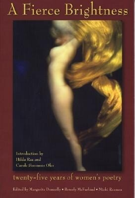 A Fierce Brightness: Twenty-Five Years of Women's Poetry als Taschenbuch