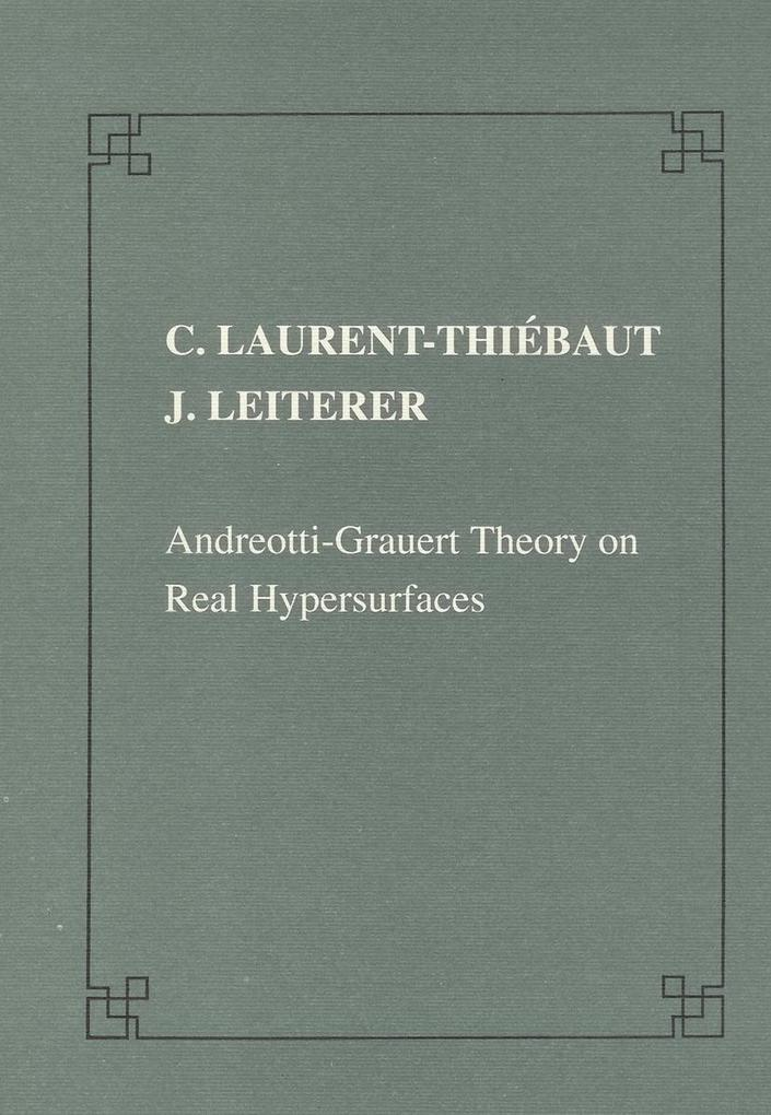 Andreotti-Grauert theory on real hypersurfaces als Taschenbuch